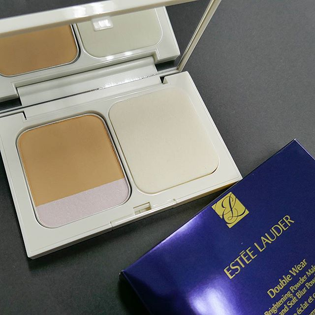 Phấn Nền Estée Lauder Double Wear Brightening Powder Makeup and Soft Blur Powder SPF 25/PA+++
