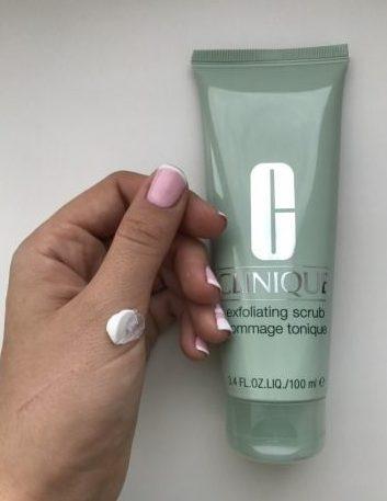 Tẩy Tế Bào Chết Da Dầu Mụn Exfoliating Scrub Gommage Tonique 100ML