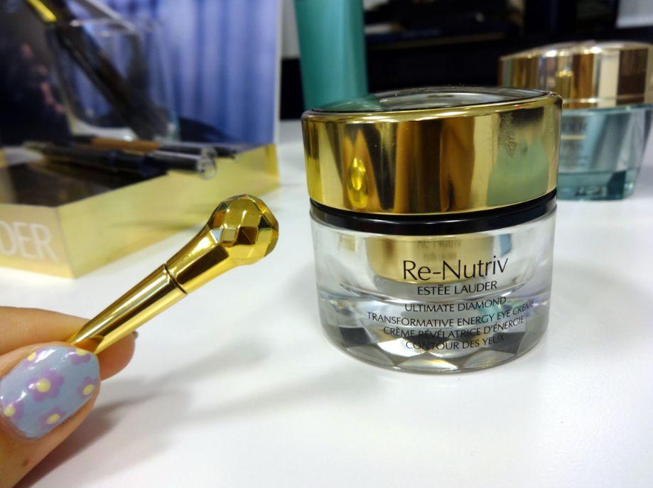 Estee Lauder Re-Nutriv Ultimate Diamond Transformative Energy Eye với chiết xuất Truffle Nấm-Kim-Cương-Đen cực kì quý giá