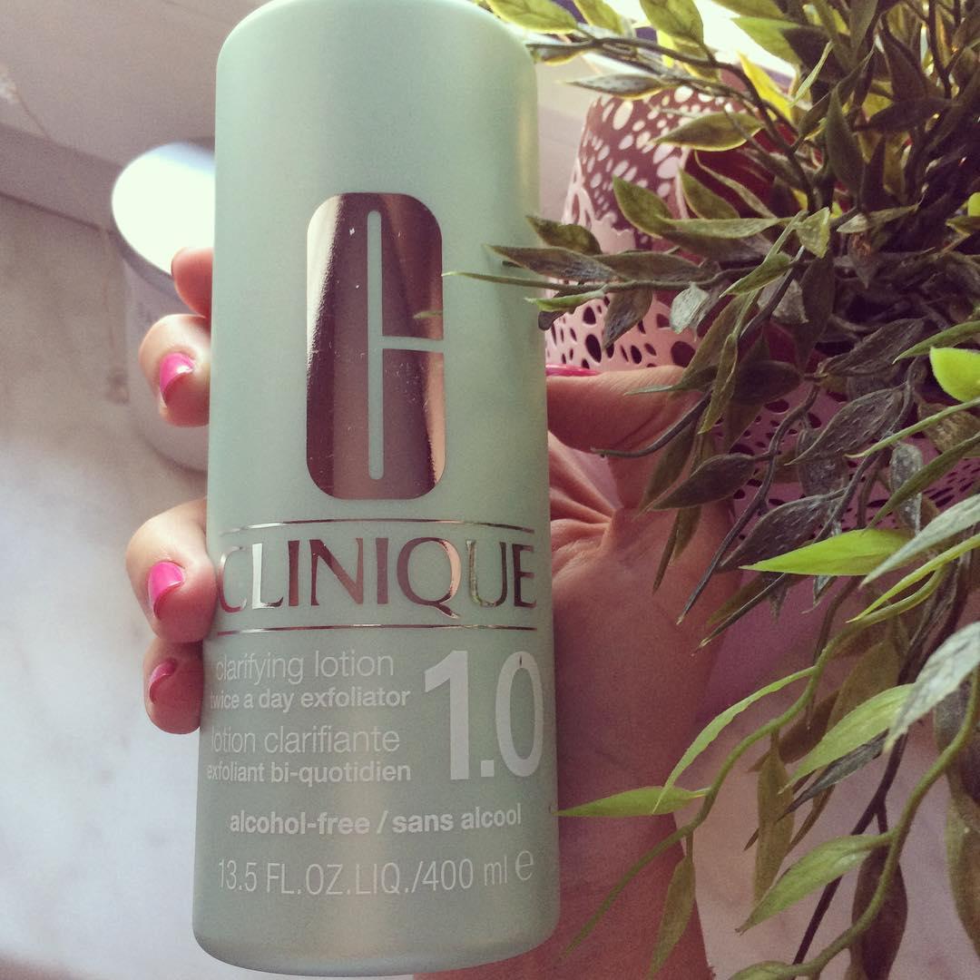 Nước thanh tẩy, lotion, toner để tẩy da chết nhẹ nhàng kích thích tái tạo da, cấp ẩm cho da mềm mịn màng tươi mới dùng cho da rất khô đến da khô, da nhạy cảm khô