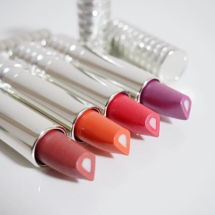 Son môi dưỡng ẩm Clinique Dramatically Different Lipstick