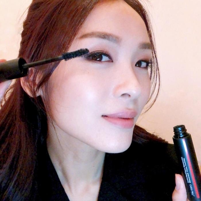 Mascara chải mi dày và dài hơn, mi cong vút, lâu trôi bền mau 12 tiếng, không trôi, không lem