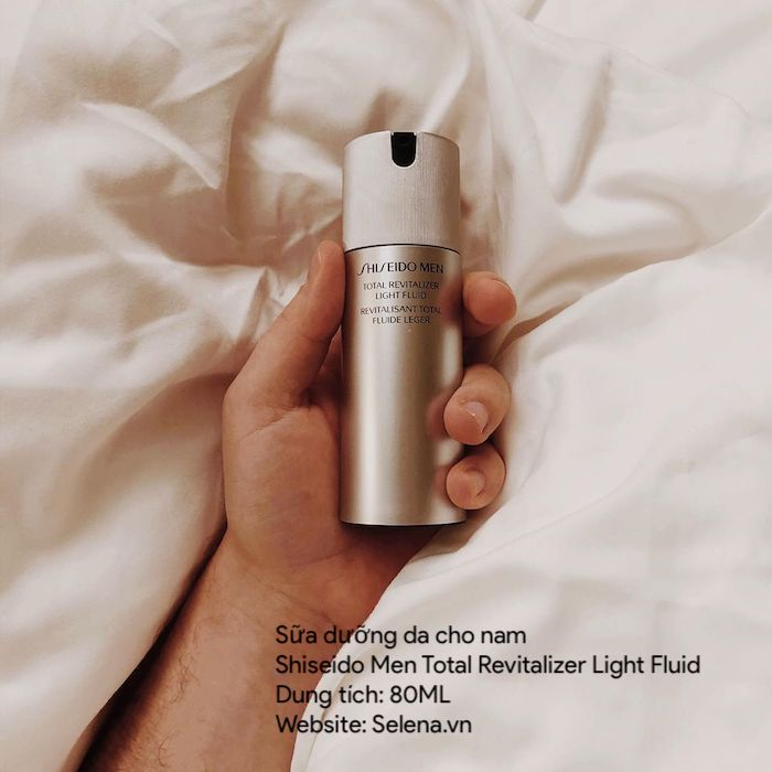 Sữa dưỡng da cho nam Shiseido Men Total Revitalizer Light Fluid sữa dưỡng mỏng nhẹ, mang lại hiệu quả cao, với công thức Phức hợp MarineProtein Complex để rèn luyện làn da chống chảy xệ, cho làn da săn chắc và khỏe mạnh.