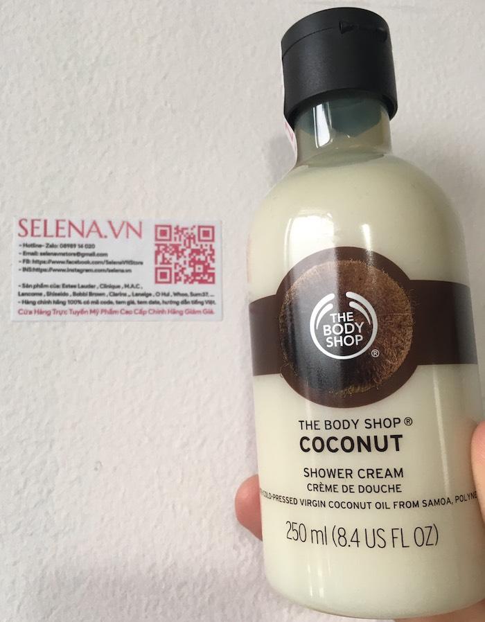 Sữa tắm hương thơm nhiệt đới, tươi mát từ dừa với kem tắm không chứa xà phòng. Chiết xuất từ dầu dừa nguyên chất, làn da của bạn sẽ trở nên mềm mại và sạch hơn sau mỗi lần sử dụng.