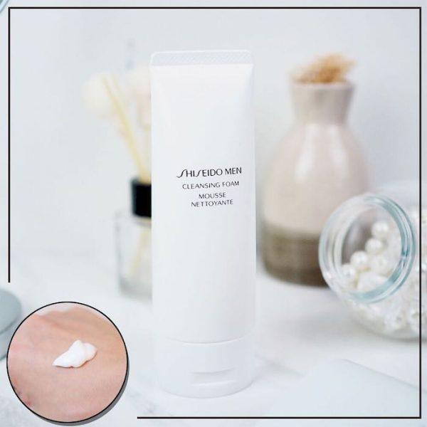 Sữa rửa mặt cho Nam Giới Shiseido Men Cleansing Foam chứa công thức đặc biệt giúp làm sạch sâu, loại bỏ bụi bẩn, tạp chất, bã nhờn và điều trị mụn hiệu quả. Dạng bọt mịn tăng cường tác dụng và sản khoái cho da.