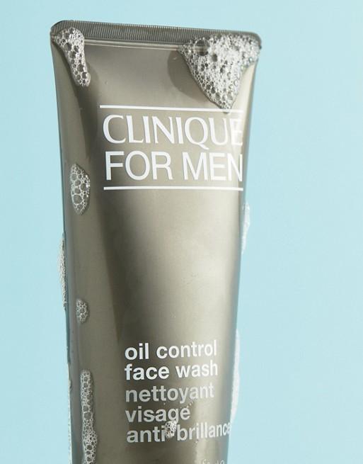 Sữa rửa mặt cho nam da dầu Clinique for men oil control face wash 200mlkết hợp các thành phần độc đáo với khả năng dưỡng ẩm và ngăn ngừa lão hóa da, nhẹ nhàng làm sạch làn da nam giới, cho làn da mềm mại và mịn màng hơn sau mỗi lần sử dụng.