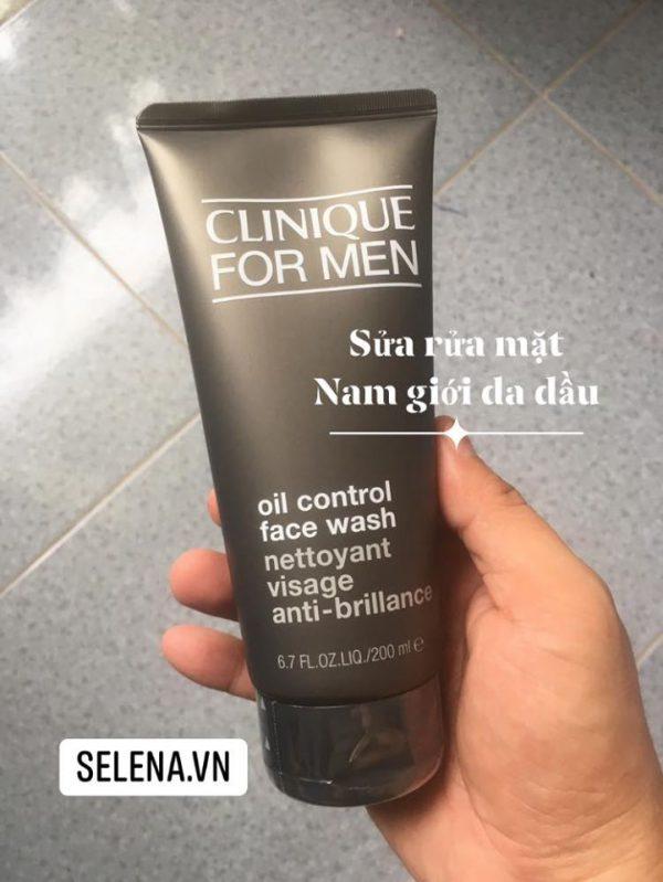 Sữa rửa mặt cho nam da dầu kết hợp các thành phần độc đáo với khả năng dưỡng ẩm và ngăn ngừa lão hóa da, nhẹ nhàng làm sạch làn da nam giới, cho làn da mềm mại và mịn màng hơn sau mỗi lần sử dụng.